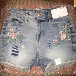 Arizona Jean shorts high rise stretch nwt size 1